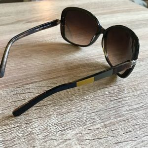 f6eebb8e0988 Tory Burch Accessories - Tory Burch Olive TY7022 Sunglasses NWOT